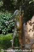 Detal fontanny z ogrodu franciszkańskiego